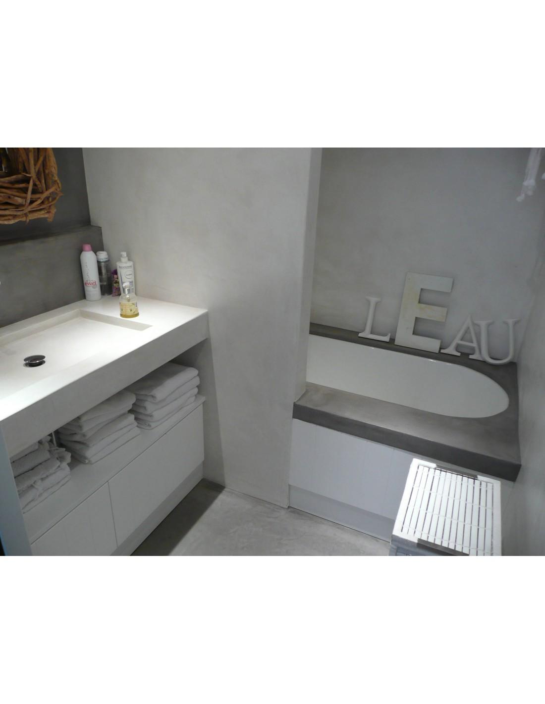 Kit salle de bains b ton cir sur carrelage id al pour - Beton cire sur mur salle de bain ...